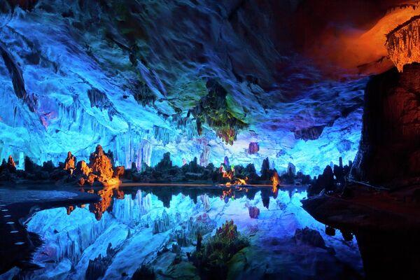 La Grotta del Flauto di Canne, Cina - Sputnik Italia