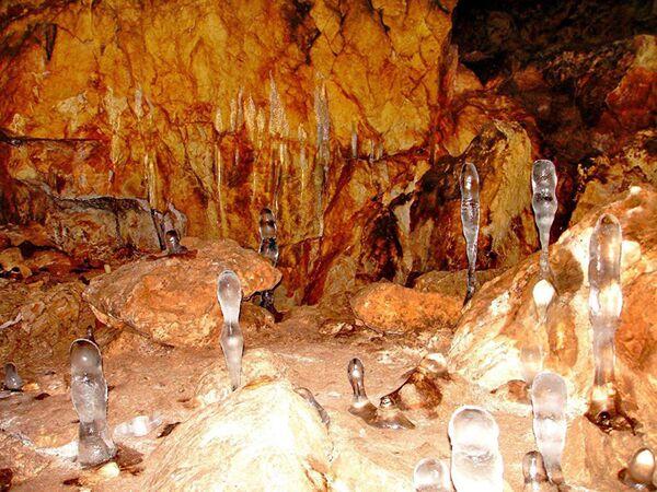 La grotta Kashkulak (Khakassia), Russia - Sputnik Italia