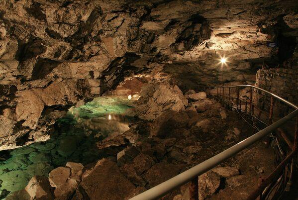 La Grotta di ghiaccio di Kungur, Russia - Sputnik Italia