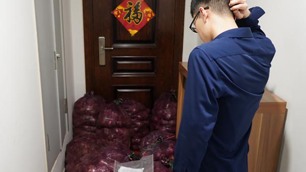 In Cina una ragazza ha spedito a casa del suo ex fidanzato 1 tonnellata di cipolle - Sputnik Italia