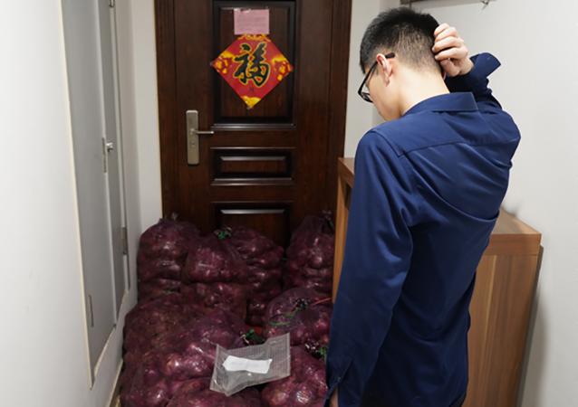 In Cina una ragazza ha spedito a casa del suo ex fidanzato 1 tonnellata di cipolle