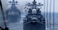 Navi della flotta del Pacifico della Federazione Russa durante la parata navale nel golfo di Pietro il Grande come parte degli esercizi navali russo-cinesi nel territorio di Primorye