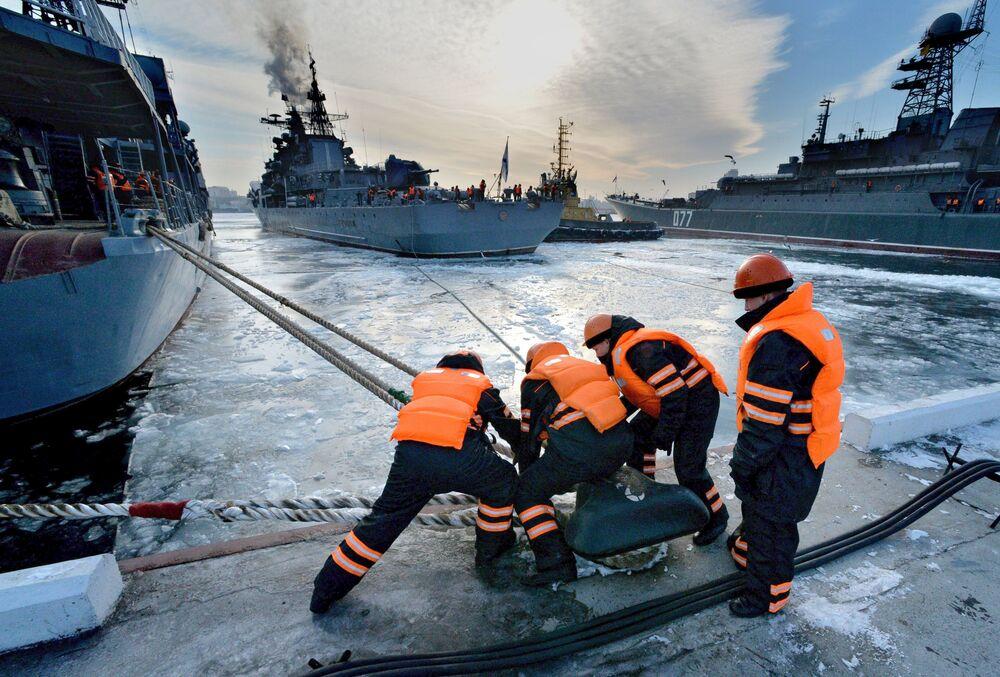 Navi della flotta del Pacifico russa sono arrivate a Vladivostok dopo aver completato le attività nel Pacifico e nell'Oceano Indiano