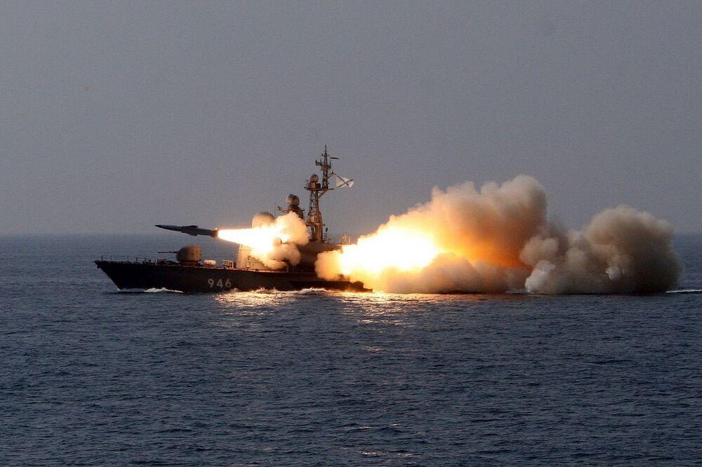 La nave missilistica 1241 Molnya R-24