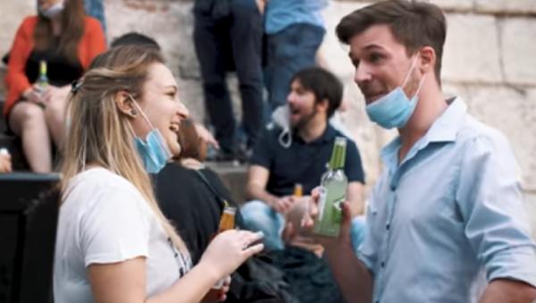 Video Happy Hour - Sputnik Italia