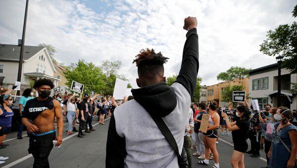 Proteste a Minneapolis - Sputnik Italia