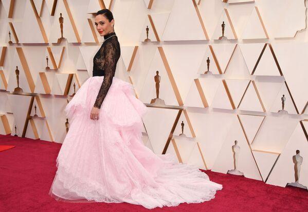L'attrice israeliana Gal Gadot agli Oscar al Dolby Theatre di Hollywood, in California, il 9 febbraio 2020 - Sputnik Italia