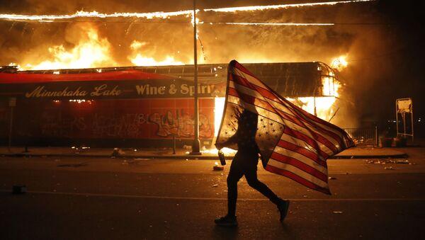 Le proteste a Minneapolis - Sputnik Italia