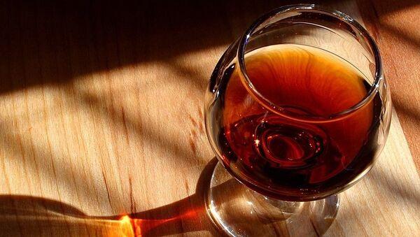 Un vaso de coñac, referencial - Sputnik Italia
