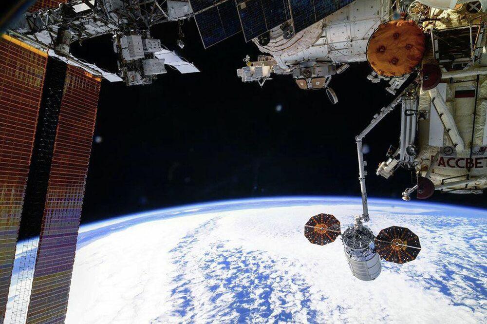 Sgancio della nave cargo Cygnus dalla Stazione Spaziale Internazionale.