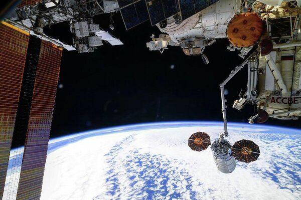 Sgancio della nave cargo Cygnus dalla Stazione Spaziale Internazionale (ISS). - Sputnik Italia