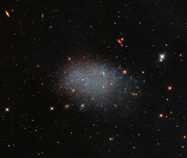 Galassia irregolare nana KK 246, conosciuta anche come ESO 461-036. - Sputnik Italia