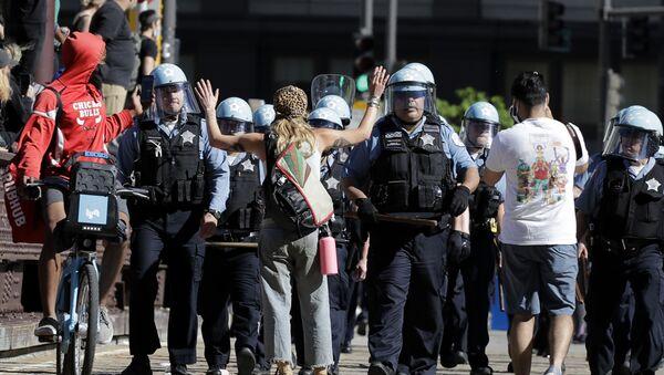 Proteste a Chicago per la morte di Floyd - Sputnik Italia