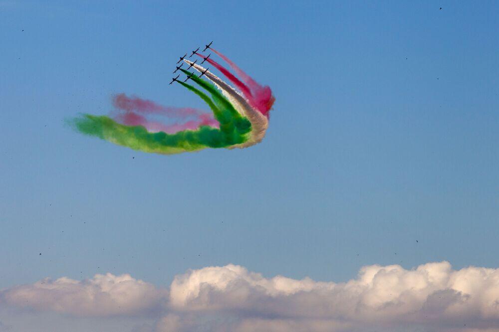 Le Frecce Tricolori in volo sopra Roma durante le celebrazioni della Festa della Repubblica