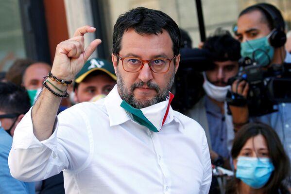 Matteo Salvini in protesta contro il governo a Roma nel giorno della Festa della Repubblica. - Sputnik Italia