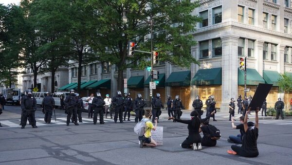 Proteste a Washington dopo l'uccisione di George Floyd - Sputnik Italia