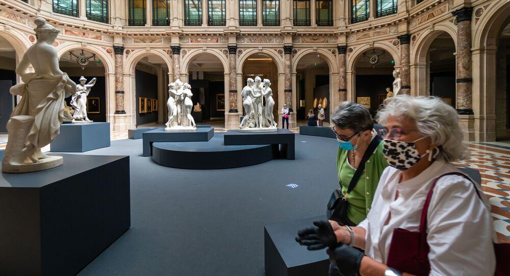 Visitatori alla mostra Le gallerie d'Italia a Milano