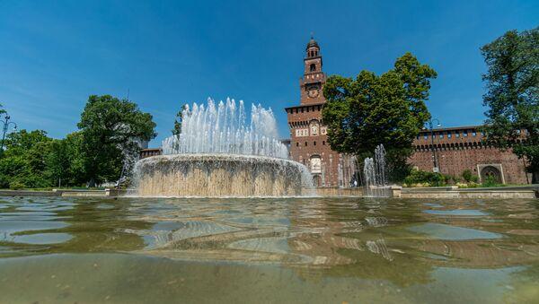 La fontana al Castello Sforzesco a Milano - Sputnik Italia