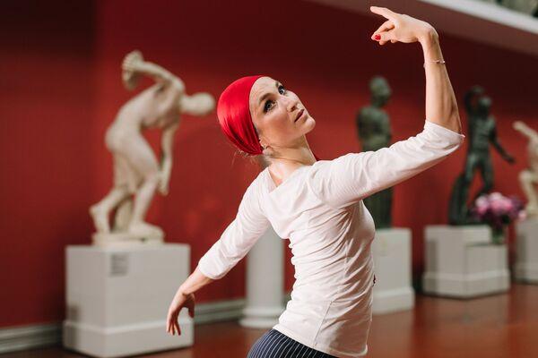 La ballerina Ekaterina Shipulina si esibisce in un concerto online nell'ambito del festival presso il Museo Statale delle Belle Arti di Pushkin a Mosca, Russia - Sputnik Italia