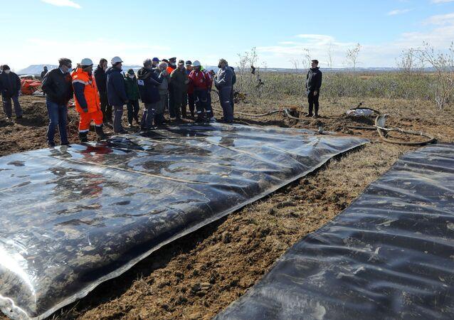 Pompaggio di gasolio fuoriuscito a Norilsk