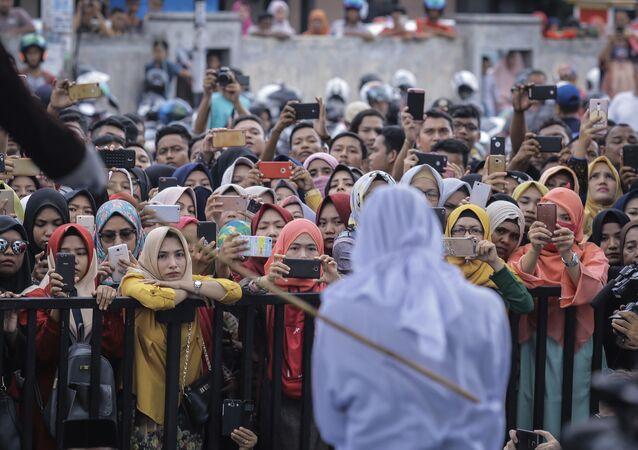 Fustigazione nella provincia indonesiana di Aceh, dove vige la Sharia