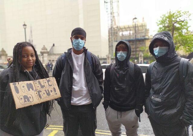 Le proteste contro le violenze della polizia a Londra
