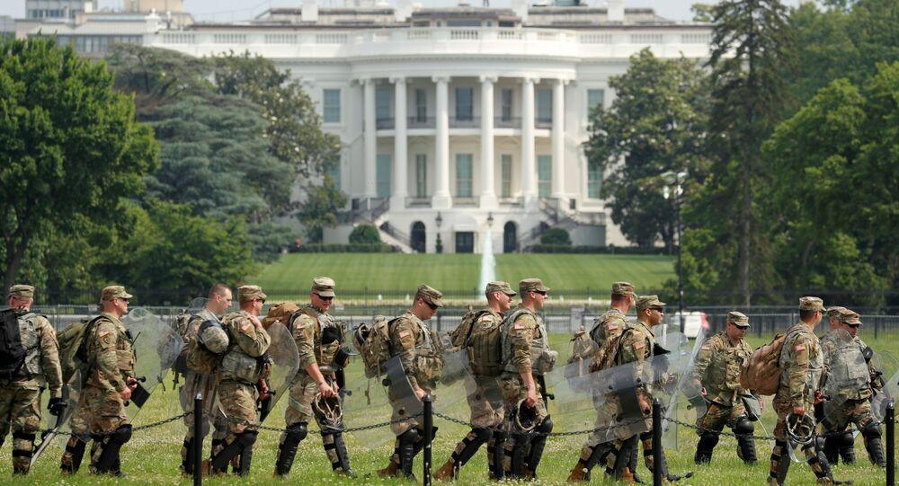 Militari davanti Casa Bianca proteste George Floyd