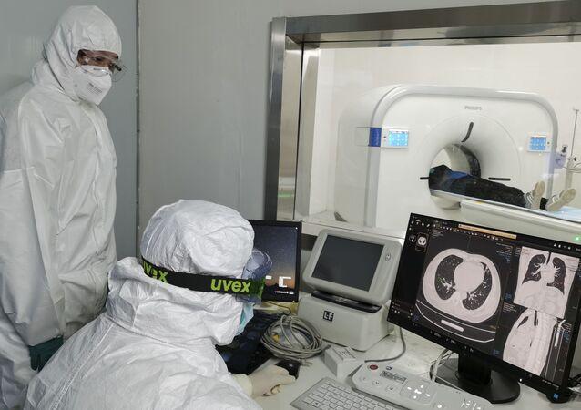 Un ospedale temporaneo per pazienti COVID-19 in Cina