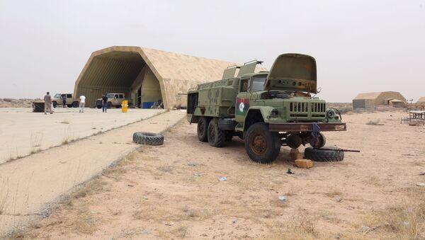 Militanti leali al GNA libico nella base aerea al-Watiya - Sputnik Italia