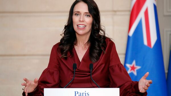 New Zealand Prime Minister Jacinda Ardern gestures as she speaks during a media conference with French President Emmanuel Macron, at the at the Elysee Palace in Paris, Monday, April 16, 2018 - Sputnik Italia