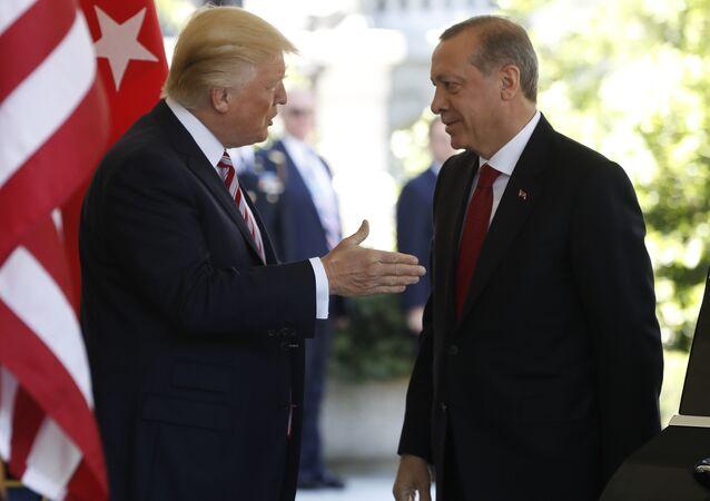 Il presidente statunitense Donald Trump ed il presidente turco Recep Tayyip Erdogan