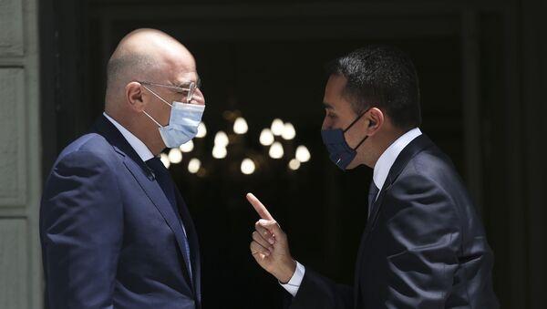 I ministri degli Esteri Nikos Dendias e Luigi Di Maio hanno siglato l'accordo l'Accordo sulla Delimitazione delle Zone Marittime tra Grecia e Italia (09.06.2020) - Sputnik Italia
