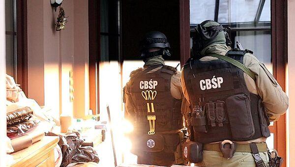 Gli agenti dell'Ufficio centrale per le investigazioni della Polizia polacca - Sputnik Italia