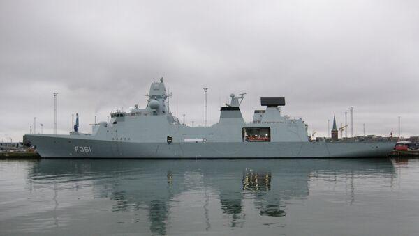 Una fregata danese F361 della classe Iver Huitfeldt che monta i cannoni 76/62 Super Rapid - Sputnik Italia