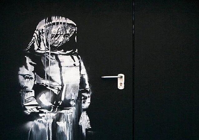 La porta di Banksy del Bataclan