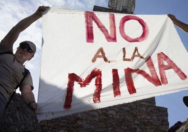 La protesta contro lo sfruttamento della miniera di San José Valdeflórez