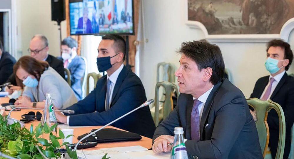 Luigi di Maio e Giuseppe Conte partecipano a un panel dedicato al tema della visione del mondo nel post-Covid