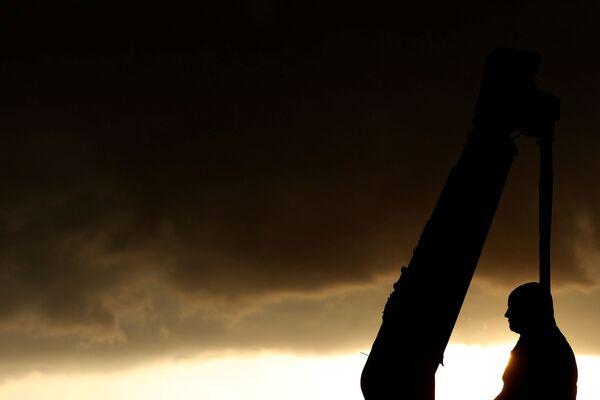 La statua di Robert Milligan rimossa dalla piazza davanti al Museo di Londra, il 9 giugno 2020 - Sputnik Italia