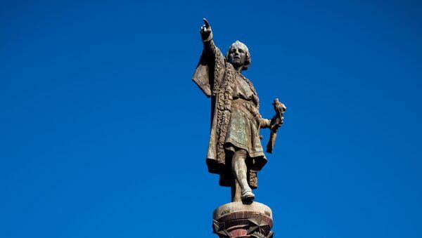 Il monumento a Cristoforo Colombo a Barcellona - Sputnik Italia