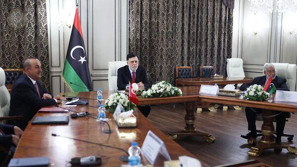 Il premier del GNA Faez al-Sarraj riceve la delegazione turca a Tripoli - Sputnik Italia