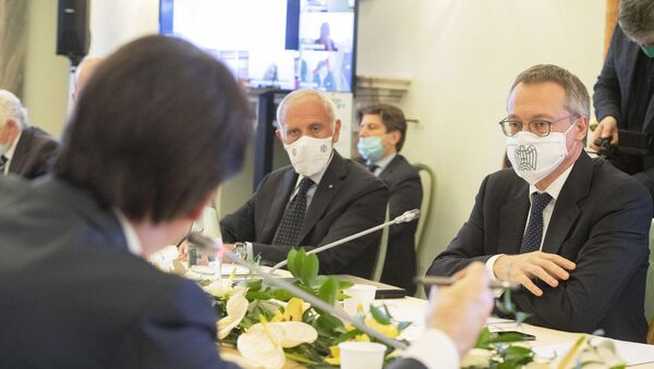 Il confronto tra governo e associazioni imprenditoriali nel quarto giorno degli Stati Generali - Sputnik Italia