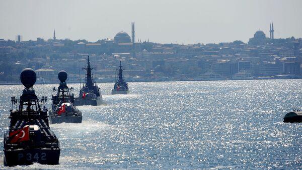 Navi della marina militare turca ad Istanbul - Sputnik Italia