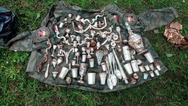 Trovato tesoro della seconda guerra mondiale tra le rovine di un castello polacco - Sputnik Italia