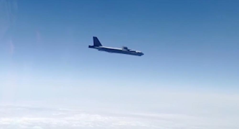 Caccia russi intercettano bombardieri statunitensi B-52H sul mare di Okhotsk