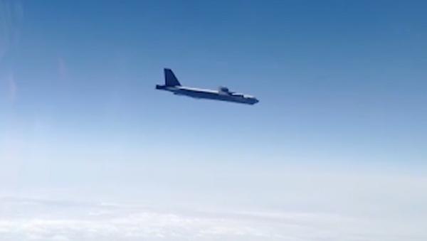 Caccia russi intercettano bombardieri statunitensi B-52H sul mare di Okhotsk - Sputnik Italia