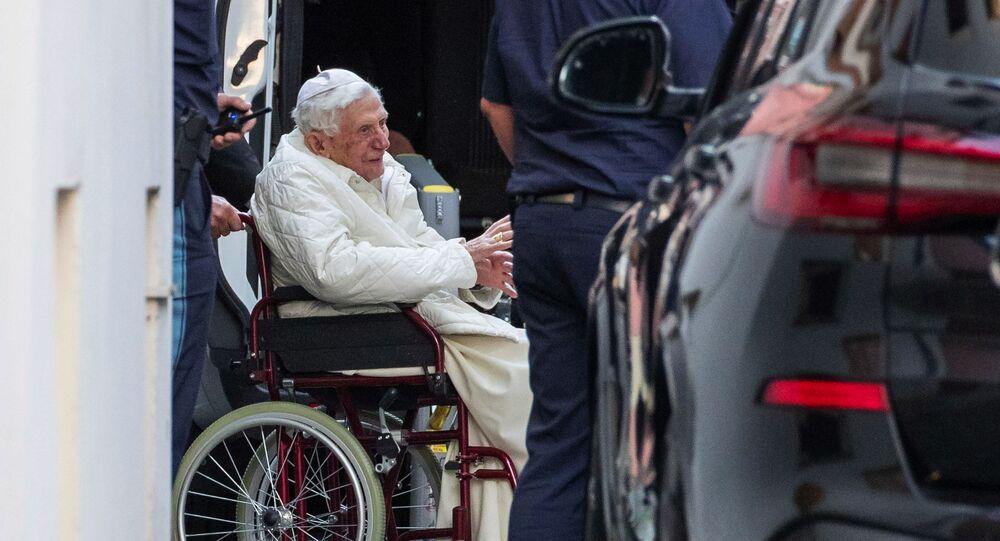 Debolissimo Papa Benedetto XVI (Joseph Ratzinger) a Ratisbona