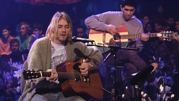 Kurt Cobain, venduta per sei milioni di dollari la chitarra del concerto Unplugged - Sputnik Italia