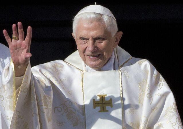Papa Emerito Benedetto XVI (foto d'archivio)