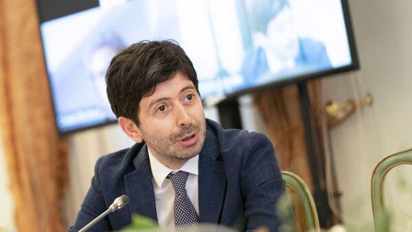Il ministro della Salute Roberto Speranza durante l'incontro con le parti sociali per un confronto sui progetti di rilancio del Paese - Sputnik Italia