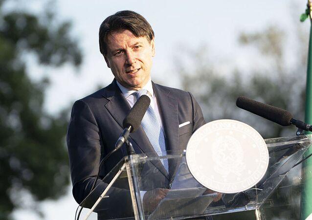 Il Presidente del Consiglio, Giuseppe Conte, durante la conferenza stampa conclusiva di Progettiamo il Rilancio